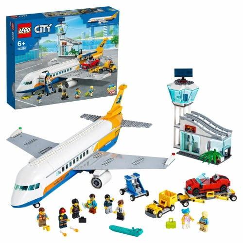 Конструктор LEGO City Пассажирский самолёт 60262